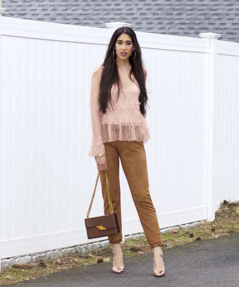 Fashion style How to camel wear colored jeans for lady