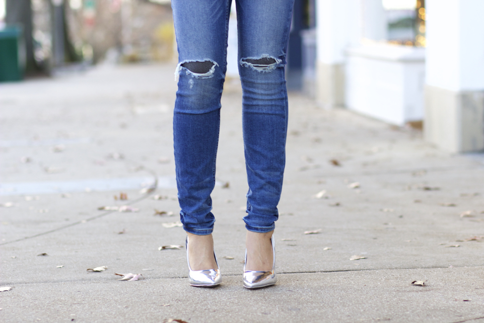 8523ee126d76 How to Wear Ripped Jeans in Winter - The Style Contour