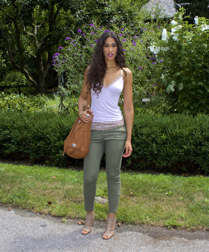 7 Outfit Ideas for Wearing Olive Green This Spring! - The Style Contour 642555b1e