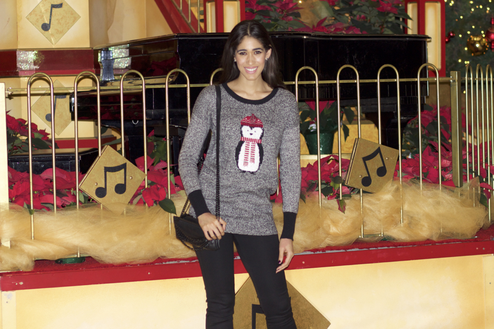 How To Wear The Cute Ugly Christmas Sweater The Style Contour